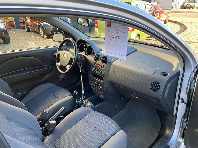 Te koop Chevrolet Kalos 1.2 Pure Grijs occasion - Autobedrijf Den Haag